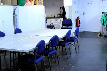Table and chairs in the Birklands Room