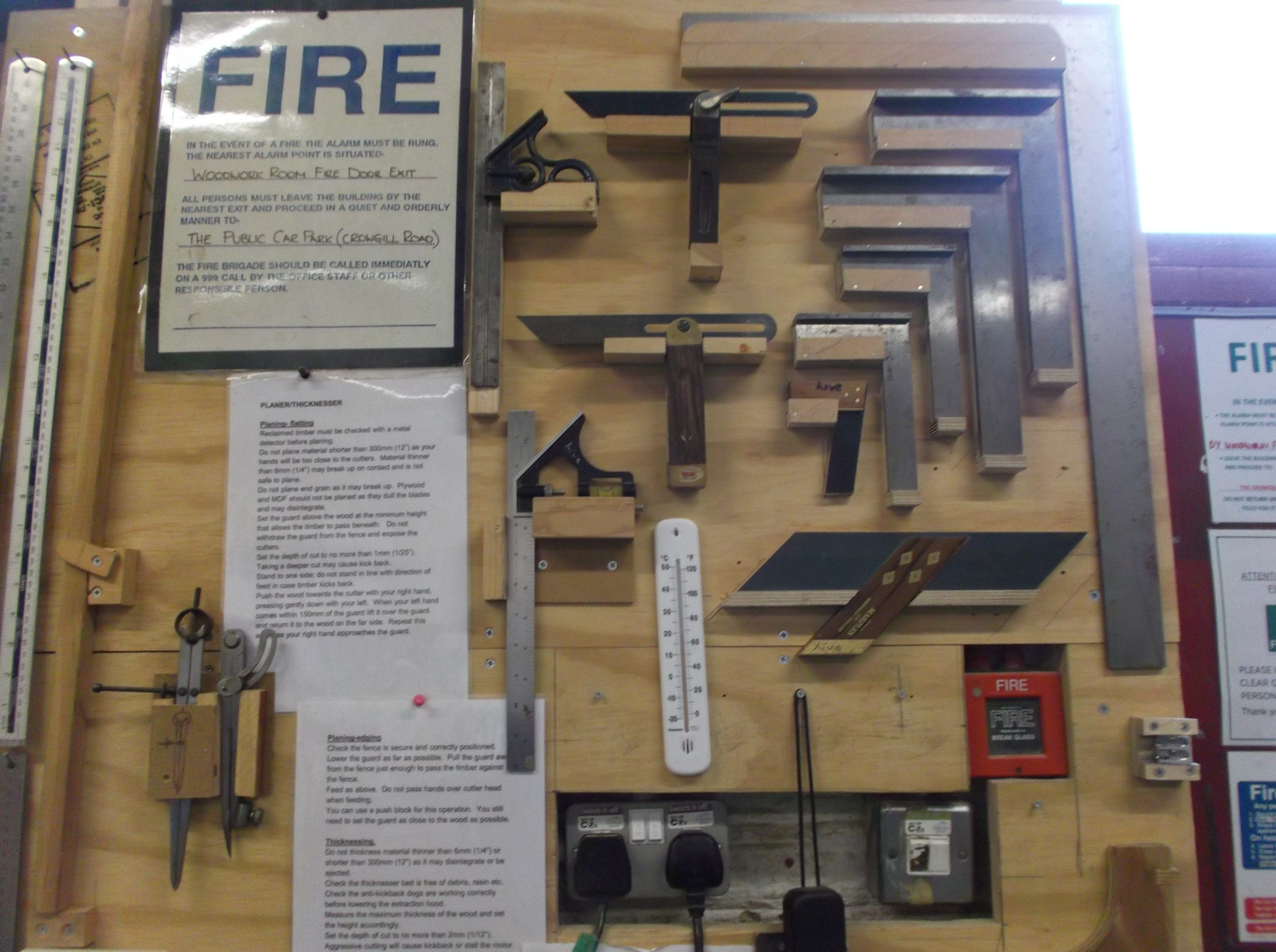 Woodwork tools and safety notices